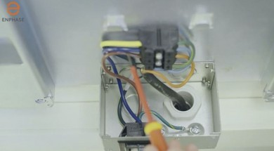 La mise en service de la batterie AC Enphase French